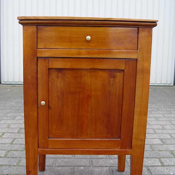 biedermeier nachtschrank nachttisch beistelltisch schr nkchen schrank kirschbaum ebay. Black Bedroom Furniture Sets. Home Design Ideas